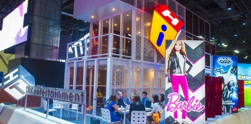 Baja venta de Barbie afecta a Mattel 17%