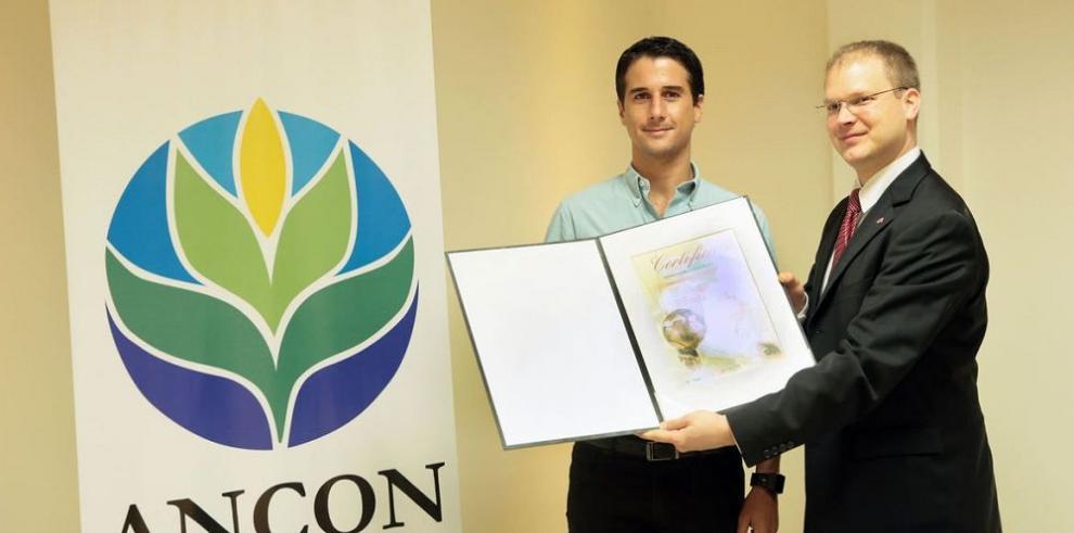 Premian proyecto de cocos de Punta Patiño