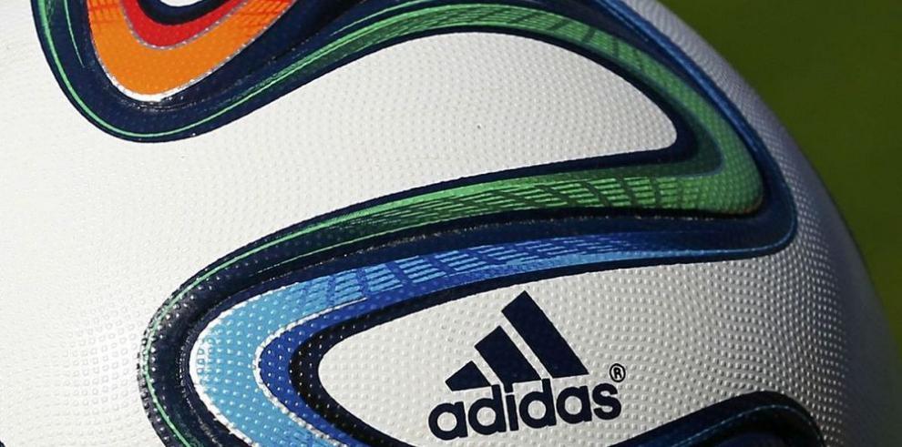 Acciones de Adidas suben tras oferta de Reebok