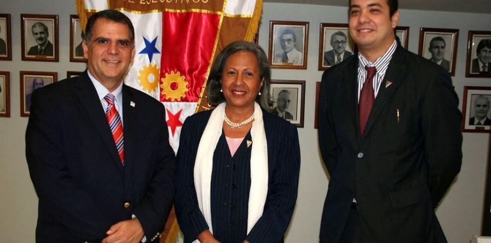 Presidente del COP visitó APEDE