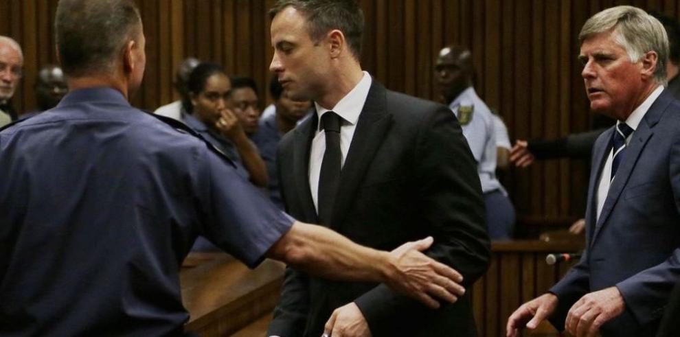 Pistorius es codenado a cinco años