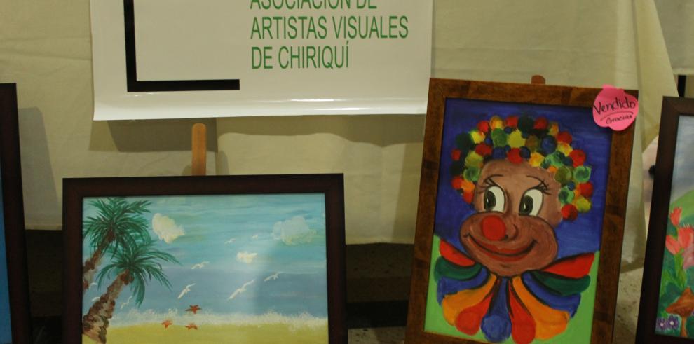 Niños exponen sus pinturas en el hospital José Domingo de Obaldía