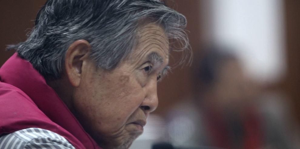 Alberto Fujimori fue amonestado por hacer proselitismo