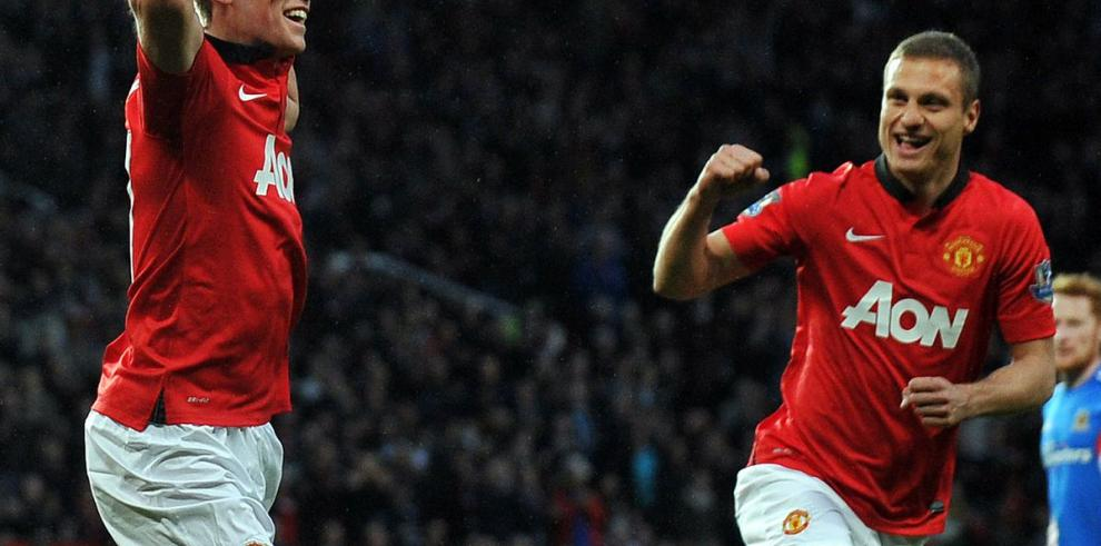 Manchester United triunfa y se acerca a la Liga de Europa