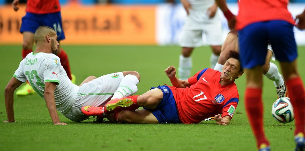 Argelia derrota a la República de Corea 4-2
