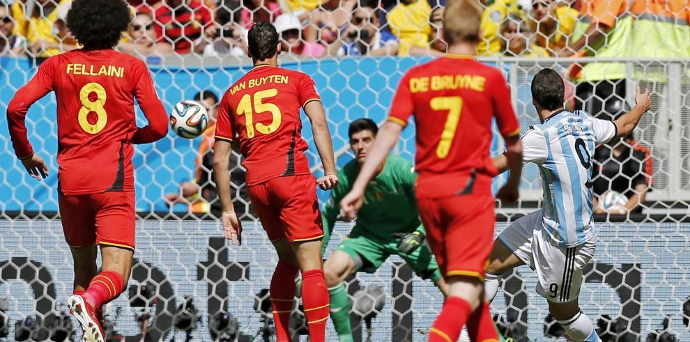 ¡Argentina rompe la maldición! y clasifica a semifinales