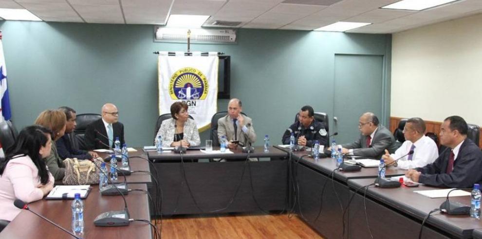 Ministro Aguilera se reúne con Belfon