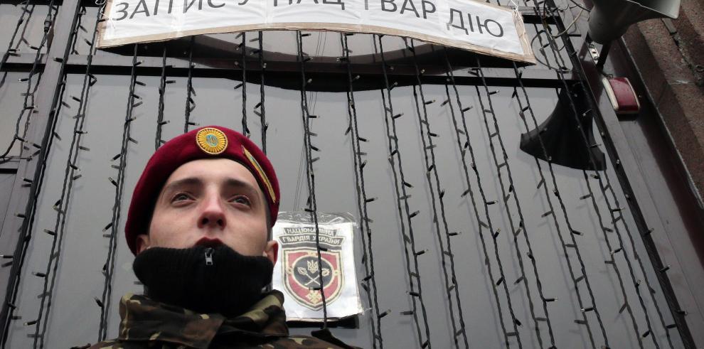 Presidente interino de Ucrania dio ultimátum para que liberen al jefe de armada