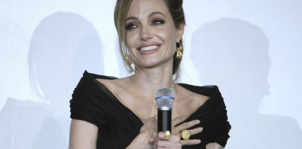 Angelina Jolie es una directora muy 'maternal'