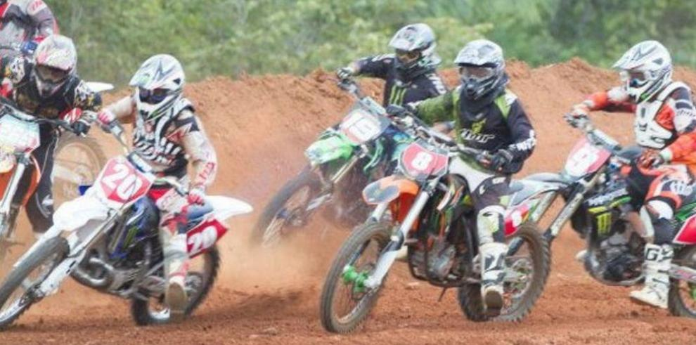 Barrera es el nuevo rey del Campeonato de Motocross