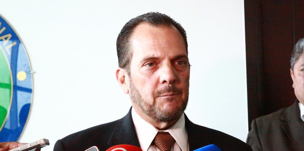 Federico Humbert nuevo Contralor General de la República