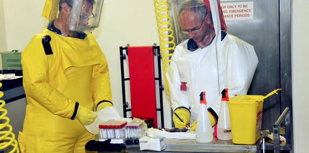 Vacuna de ébola parece segura en prueba