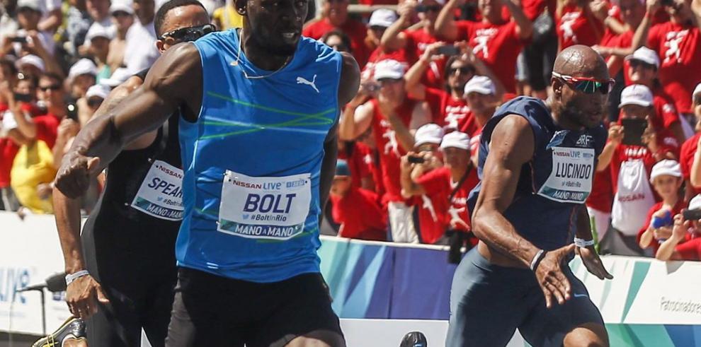 Bolt gana prueba de 100 metros en Copacabana, Río de Janeiro