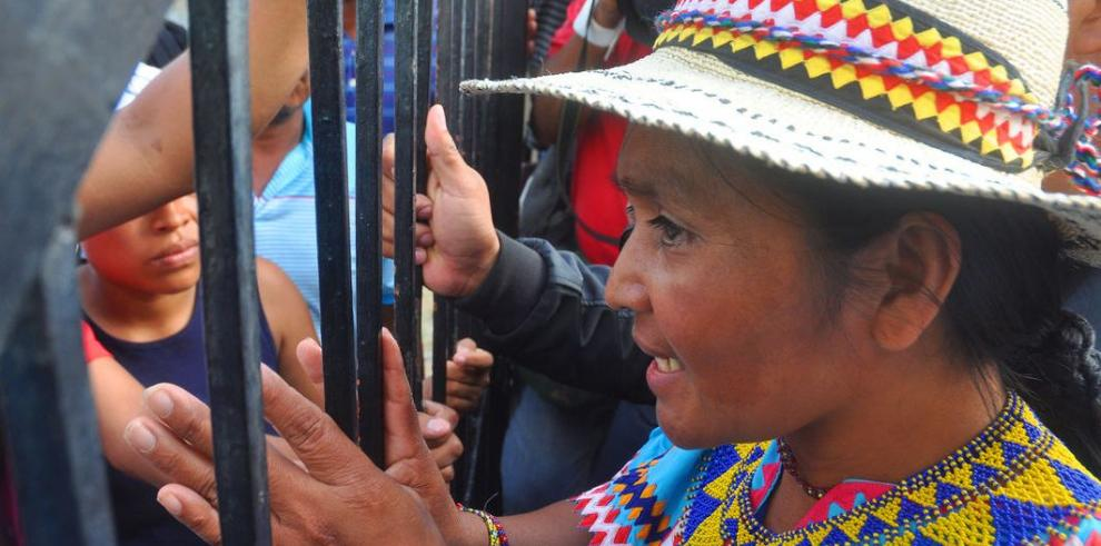 Cacica quiere conversar con ministro Henríquez