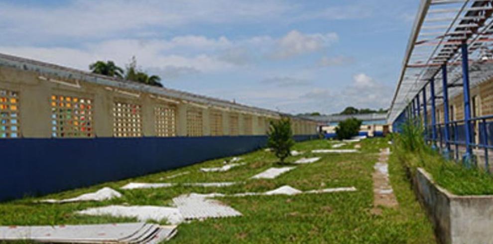 Exigen nueva escuela en Soná