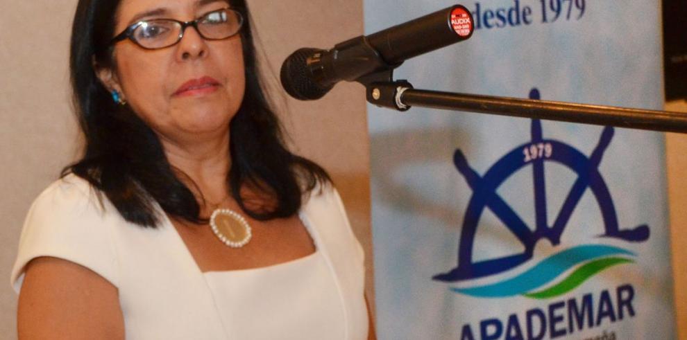 Abogados piden reducir consulados