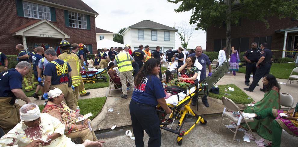 Piso colapsa y se lesionan 36 personas en Houston, Texas