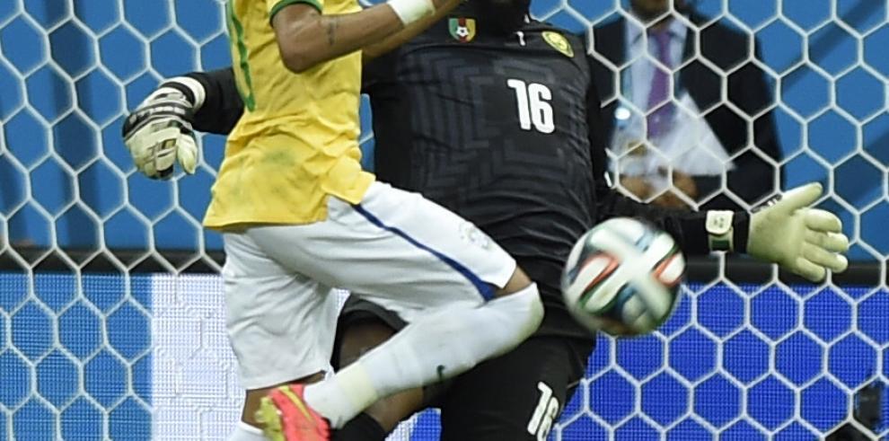 Neymar pone el gol 100