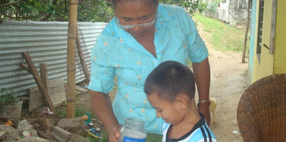 Servicio de agua llega con sedimento