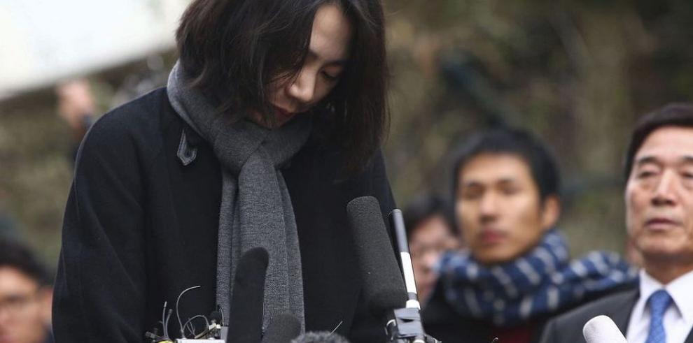 Exdirectiva de Korean Airlines fue arrestada por violar la seguridad aérea