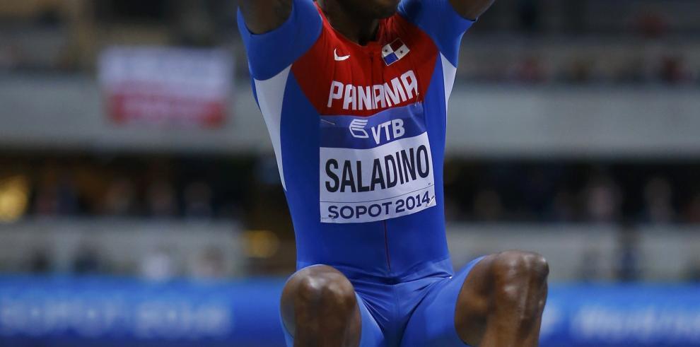 Irving Saladino conquistó el Oro en salto de longitud