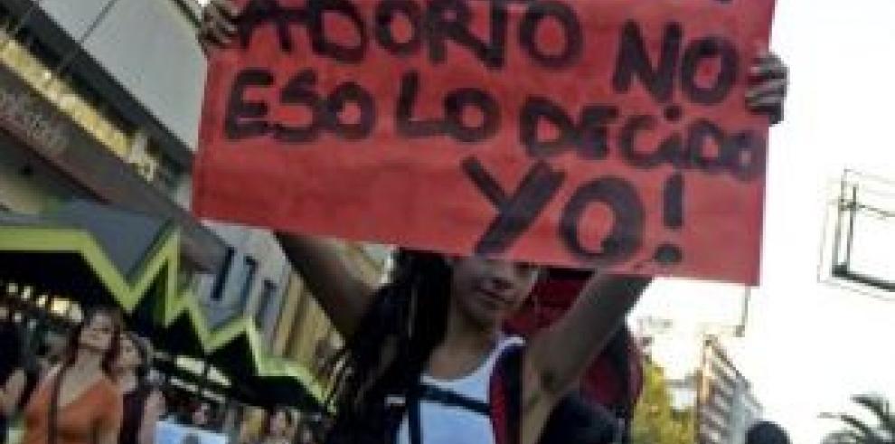 ONU recomienda a gobierno de Chile permitir aborto a menores de 18 años