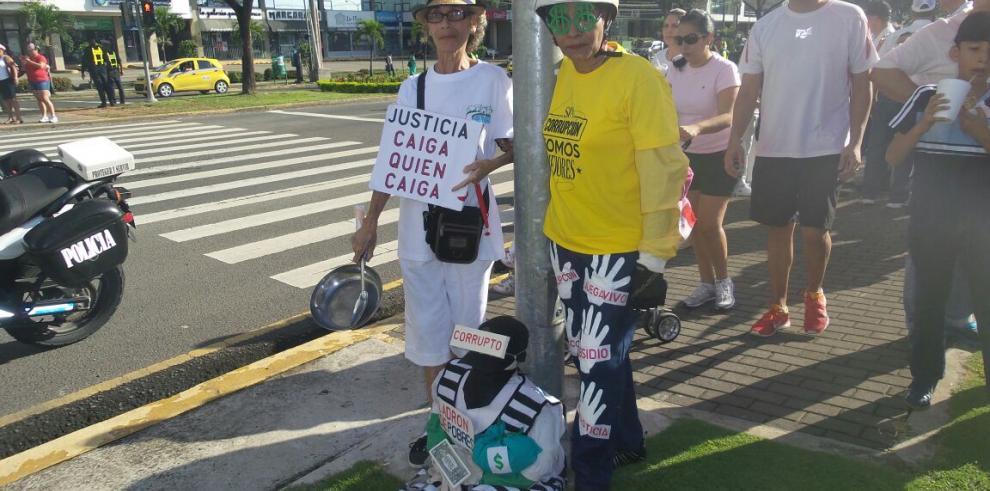 Ciudadanos se reúnen para lucharcontra la corrupción y la impunidad