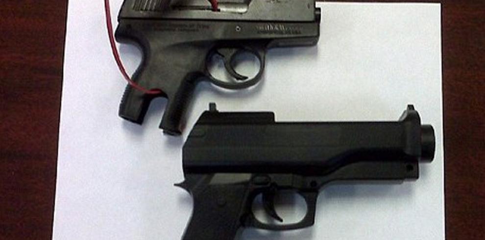 Muere niño con arma de juguete por disparos de policía en EEUU