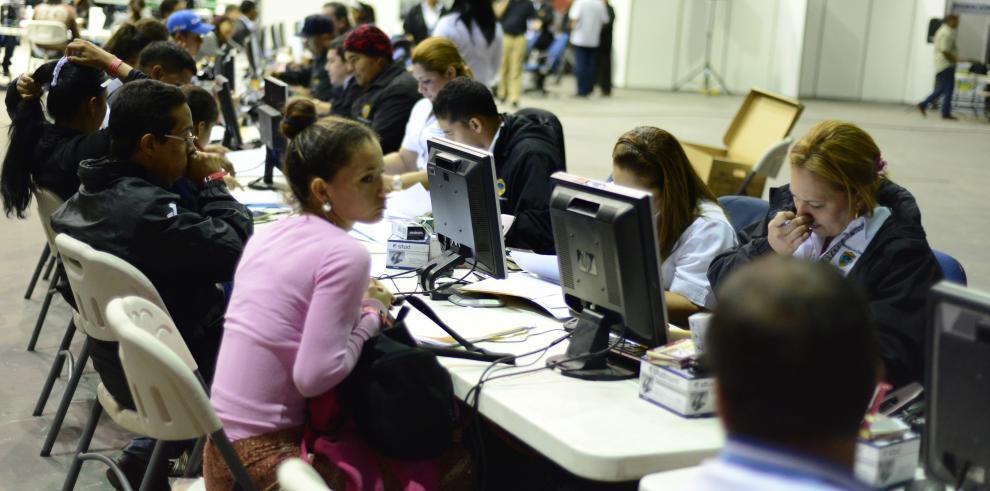 Más de 11 mil extranjeros regularizaron su estatus en Crisol de Razas