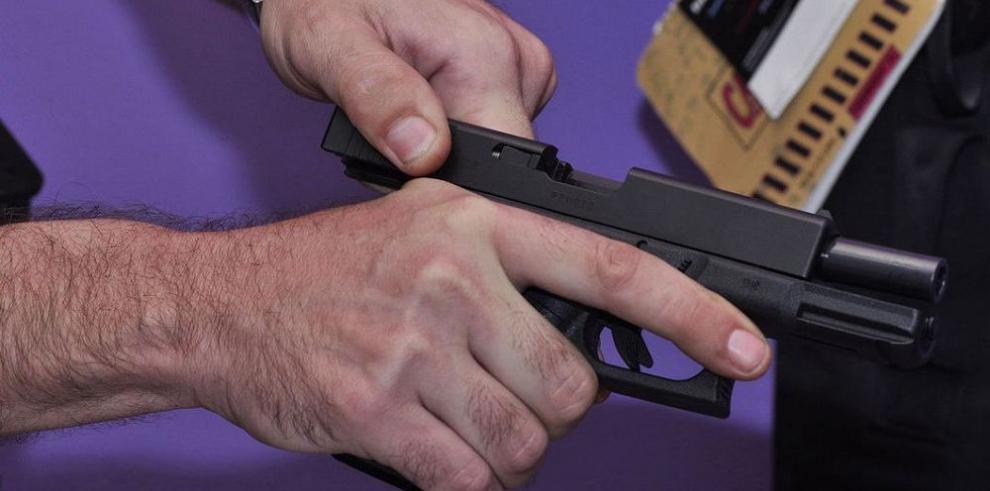 Prohibición de armas impulsa el mercado negro en Panamá