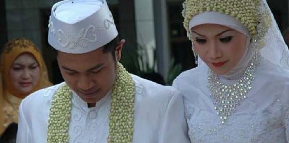 Los funcionarios indonesios tendrán que pagar para tener más de una esposa