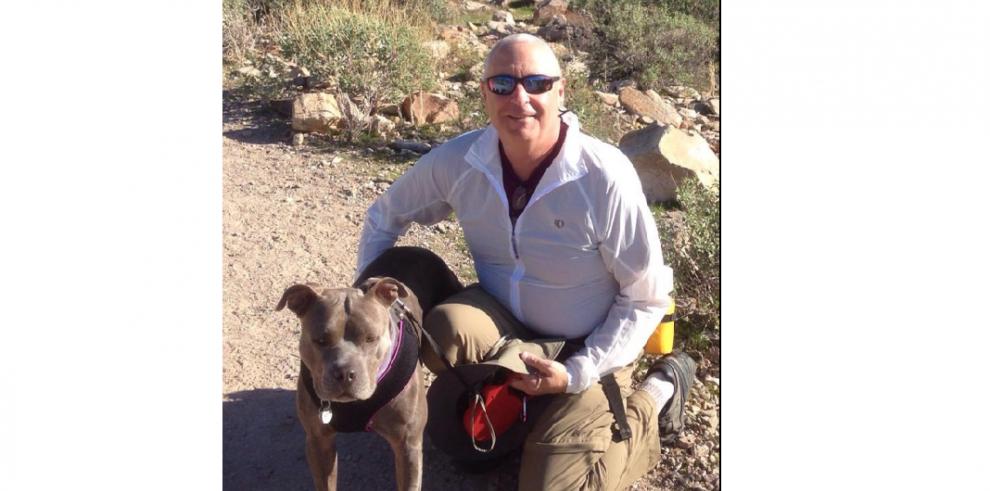 Dueños le dan una segunda oportunidad a sus perros