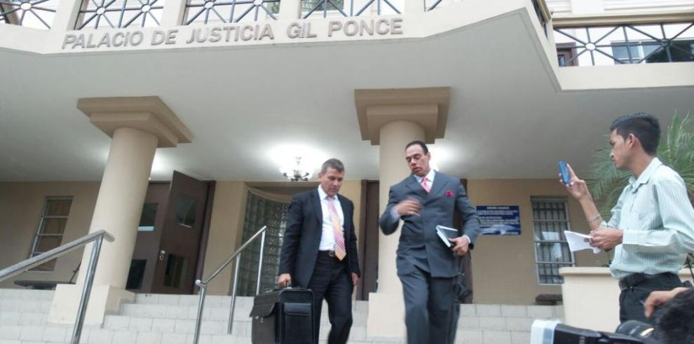 Sidney Sittón presenta ante la CSJ amparo de garantías constitucionales