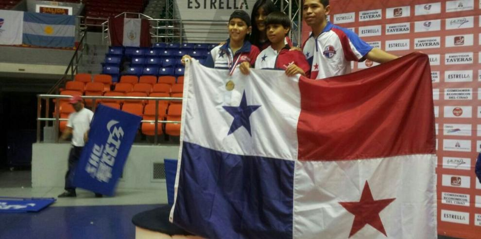 Vanish consigue oro histórico para Panamá