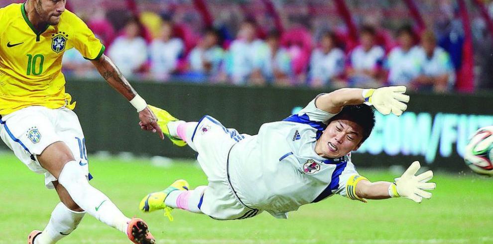 Neymar acabó con los japoneses