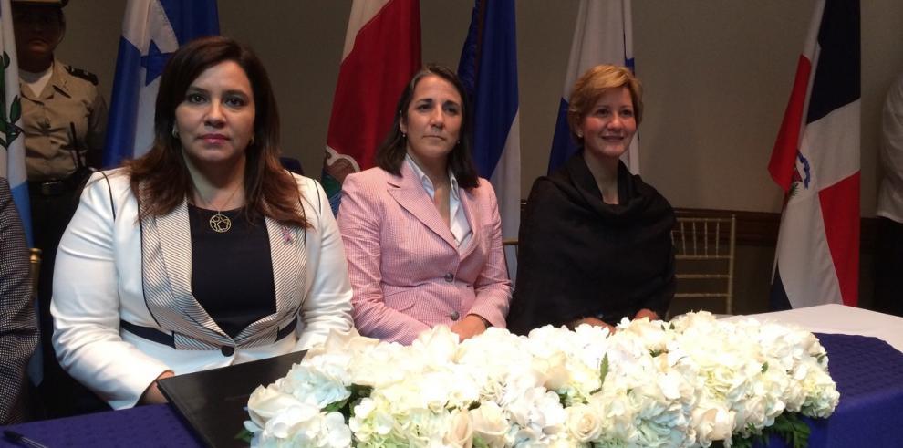 Primera Dama participará en la I Cumbre sobre Prevención de Embarazos