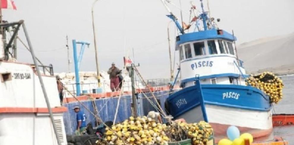 Encuentran embarcación declarada como desaparecida en Perú con 8 tripulantes