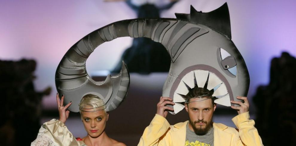 Los sombreros a dos cabezas innovaron en Ucrania