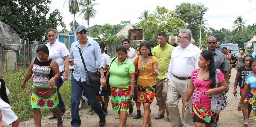 Gobierno titulará tierras de indígenas emberá en Alto Bayano