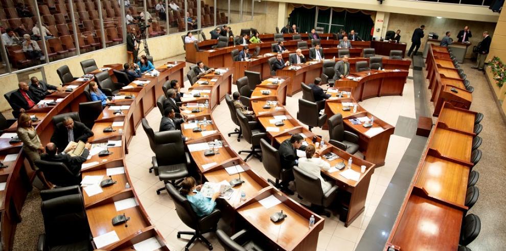 Pleno aprueba en tercer debate proyecto que aumenta la Beca Universal