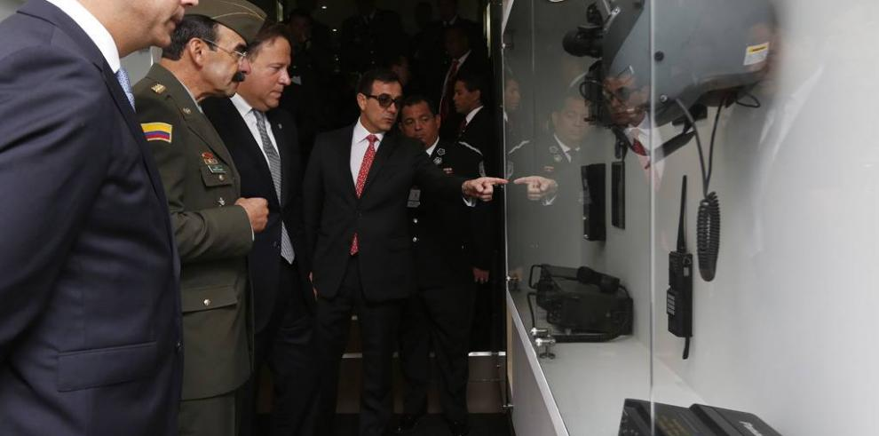 Varela visita Centro de Información para la Seguridad de Colombia
