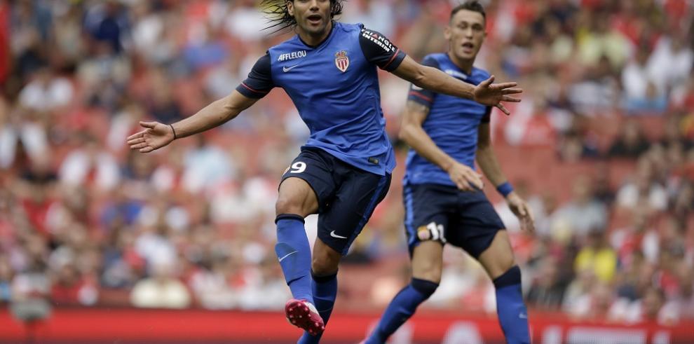 Radamel Falcao vuelve a jugar con el Mónaco en empate 2-2 ante Valencia