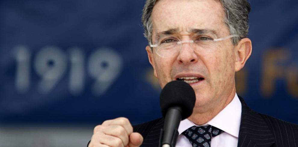 'Maduro promueve el asesinato y habla de paz': Álvaro Uribe