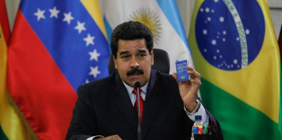 Maduro dice que Machado se
