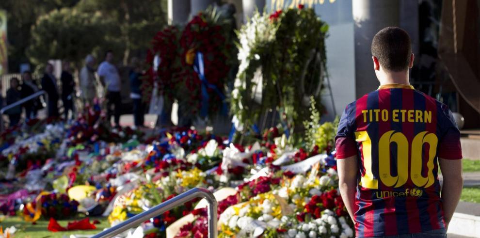 Barcelonistas rinden tributo a Vilanova