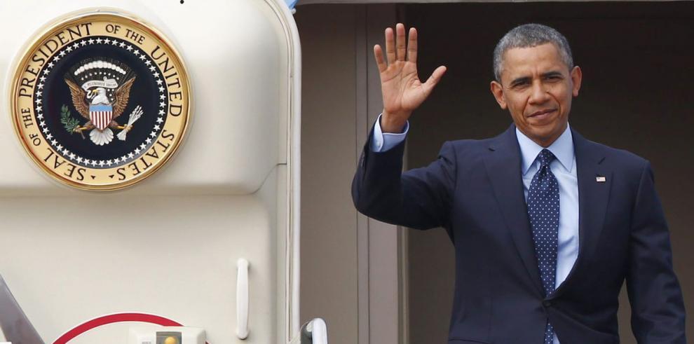 Obama pide aumento en el salario mínimo