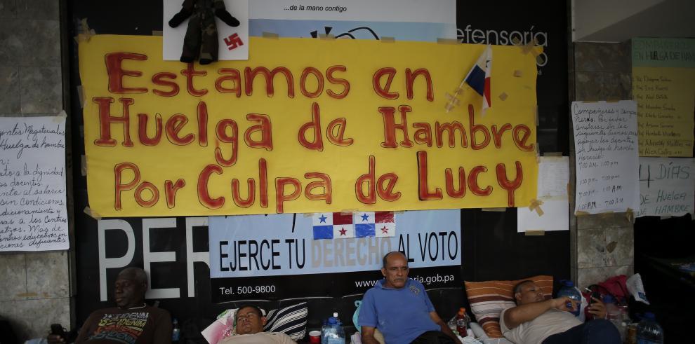 Juan Carlos Varela se reúne con maestros en paro y promete diálogo