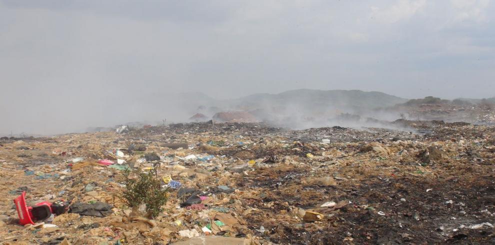 El basurero que se resiste a abandonar la ciudad