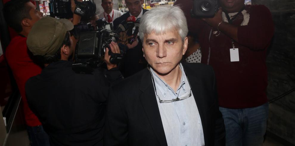 Familia de Giacomo Tamburrelli abandona el país