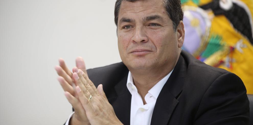 Colombia alcanzará la paz bajo liderazgo de Santos: Rafael Correa